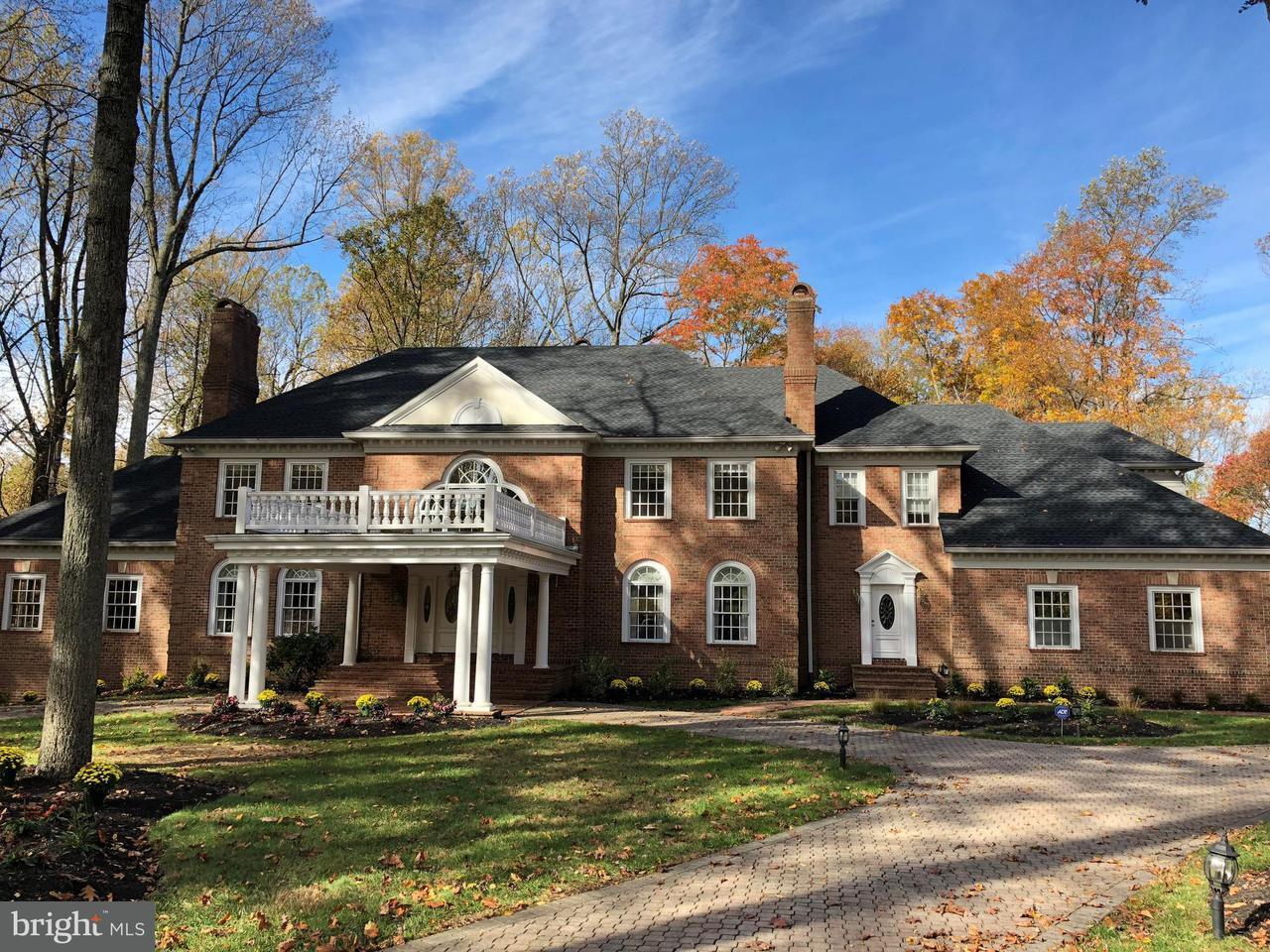 Частный односемейный дом для того Продажа на 11886 Farside Road 11886 Farside Road Ellicott City, Мэриленд 21042 Соединенные Штаты