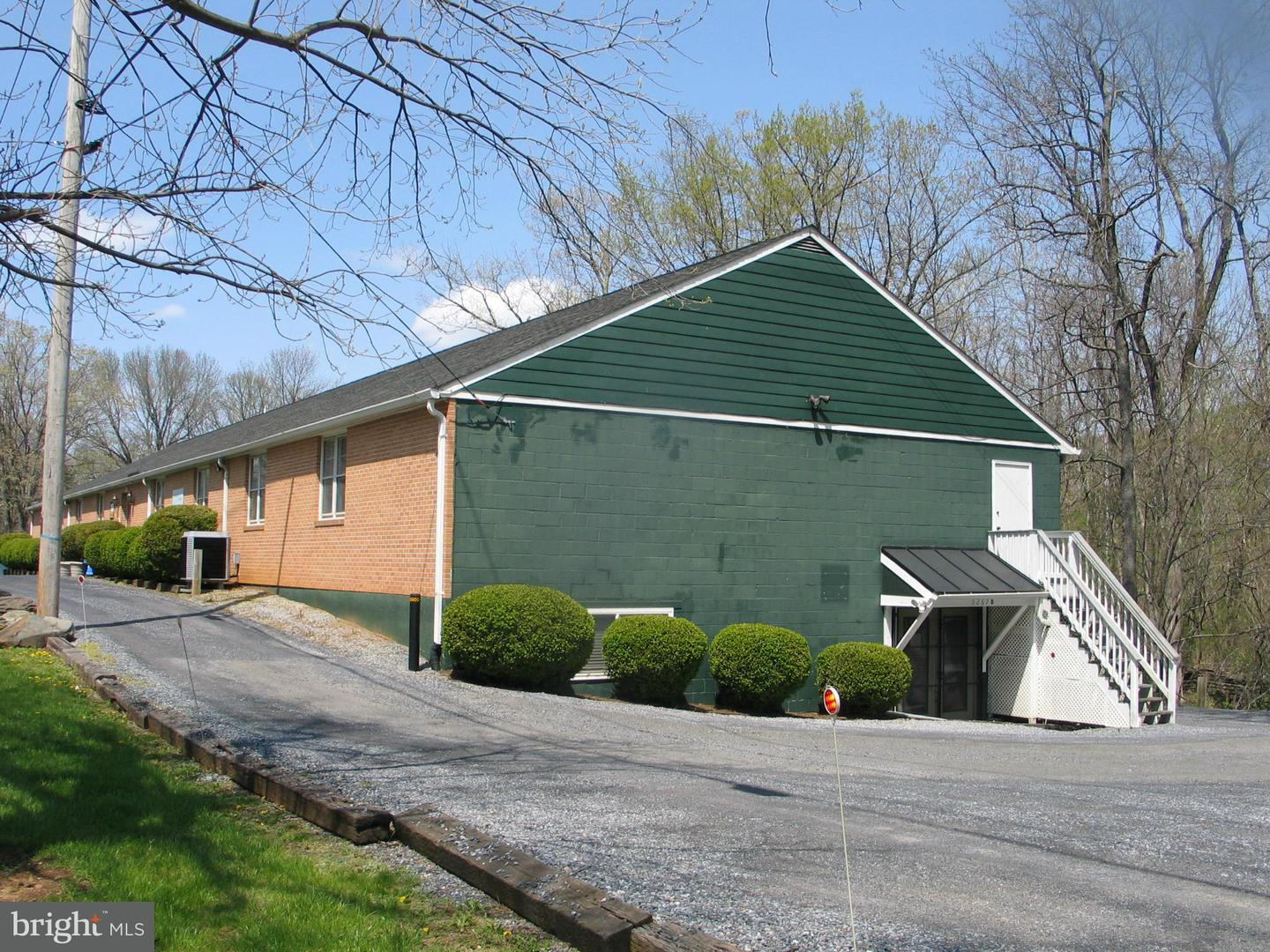 Other Residential for Rent at 5267 John Marshall Hwy #d Linden, Virginia 22642 United States