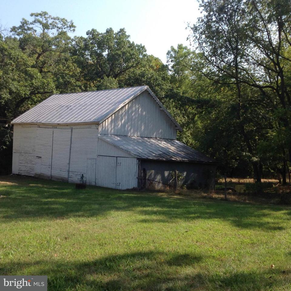 Additional photo for property listing at 80 Land Grant Rd  Mount Jackson, Virginia 22842 United States