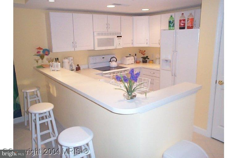 Additional photo for property listing at 5300 Coastal Hwy #205  Ocean City, Maryland 21842 United States