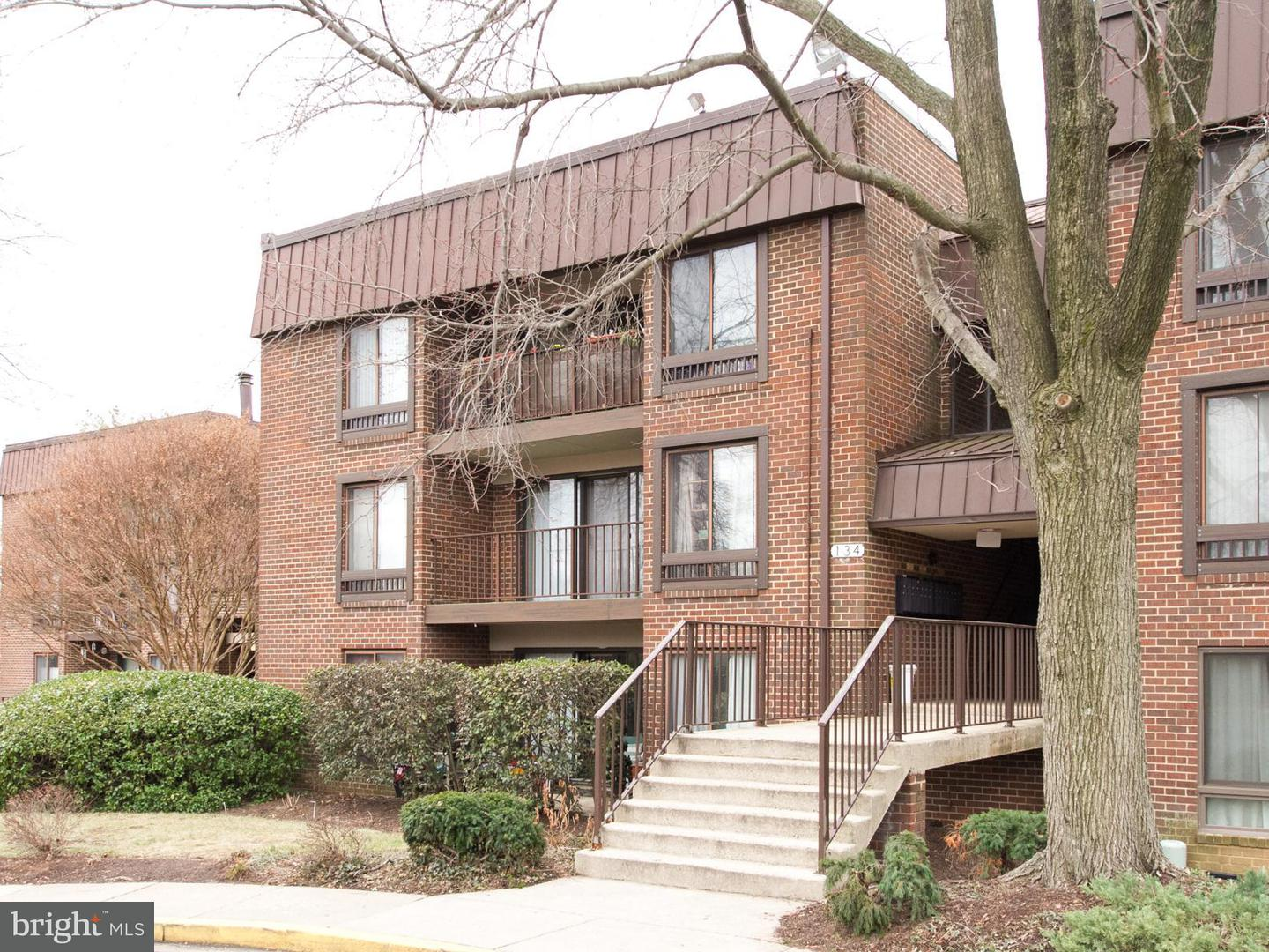 Single Family for Sale at 134 Roberts Ln #202 Alexandria, Virginia 22314 United States