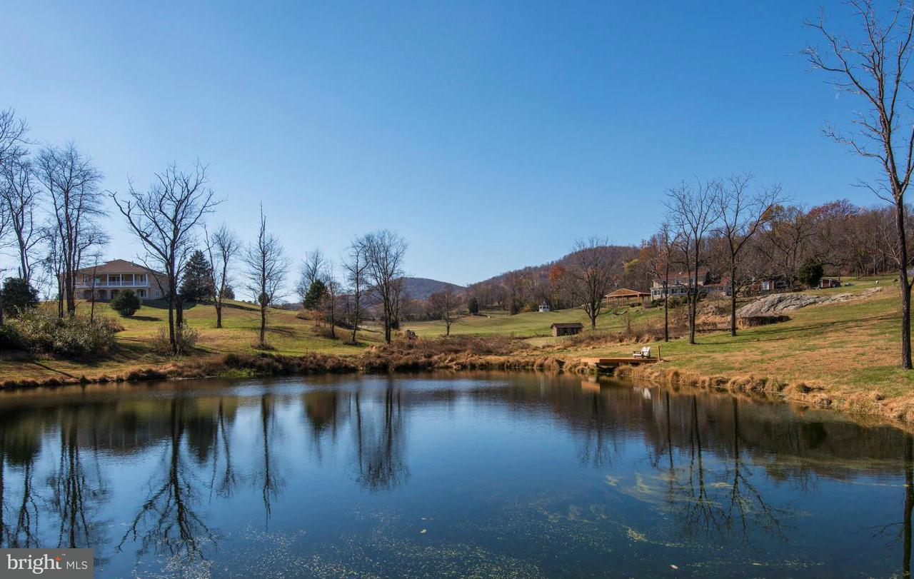 Farm for Sale at 3661 Double J Ln Delaplane, Virginia 20144 United States