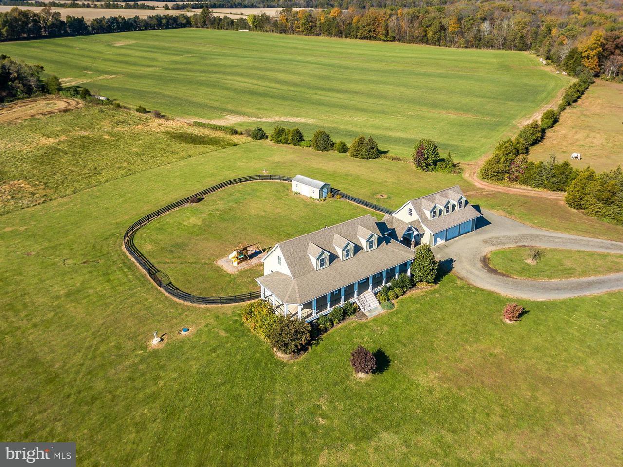 农场 为 销售 在 4386 Catlett Road 4386 Catlett Road Midland, 弗吉尼亚州 22728 美国