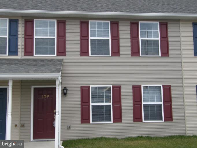 Other Residential for Rent at 143 Seneca St Shippensburg, Pennsylvania 17257 United States
