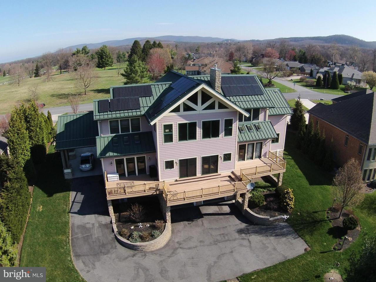 Частный односемейный дом для того Продажа на 6740 Saint Annes Drive 6740 Saint Annes Drive Fayetteville, Пенсильвания 17222 Соединенные Штаты