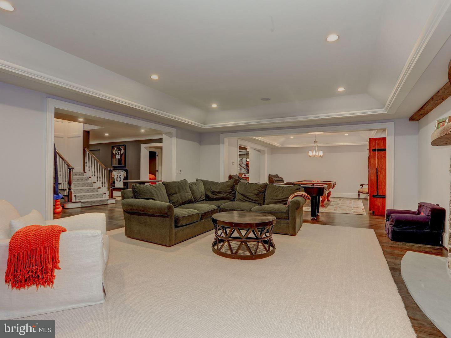Additional photo for property listing at 8112 Spring Hill Farm Dr  McLean, Virginia 22102 United States