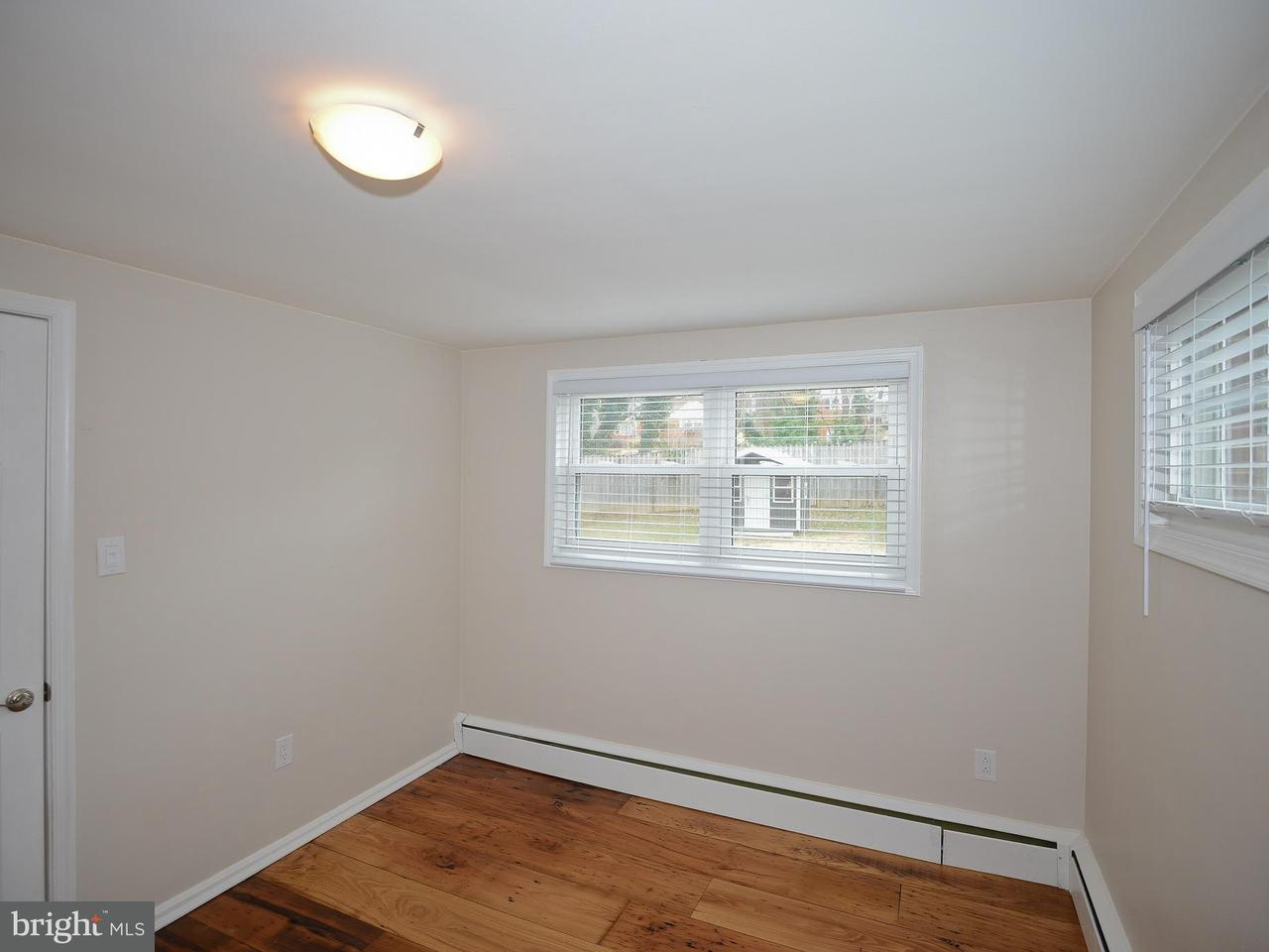Additional photo for property listing at 6414 16th Street 6414 16th Street Alexandria, Virginia 22307 Estados Unidos