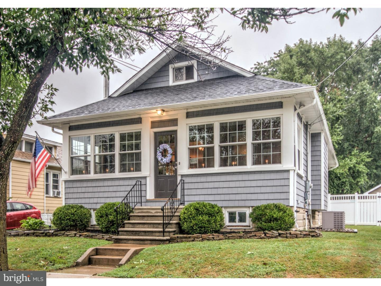 Частный односемейный дом для того Продажа на 909 HIGHLAND BLVD Gloucester City, Нью-Джерси 08030 Соединенные Штаты
