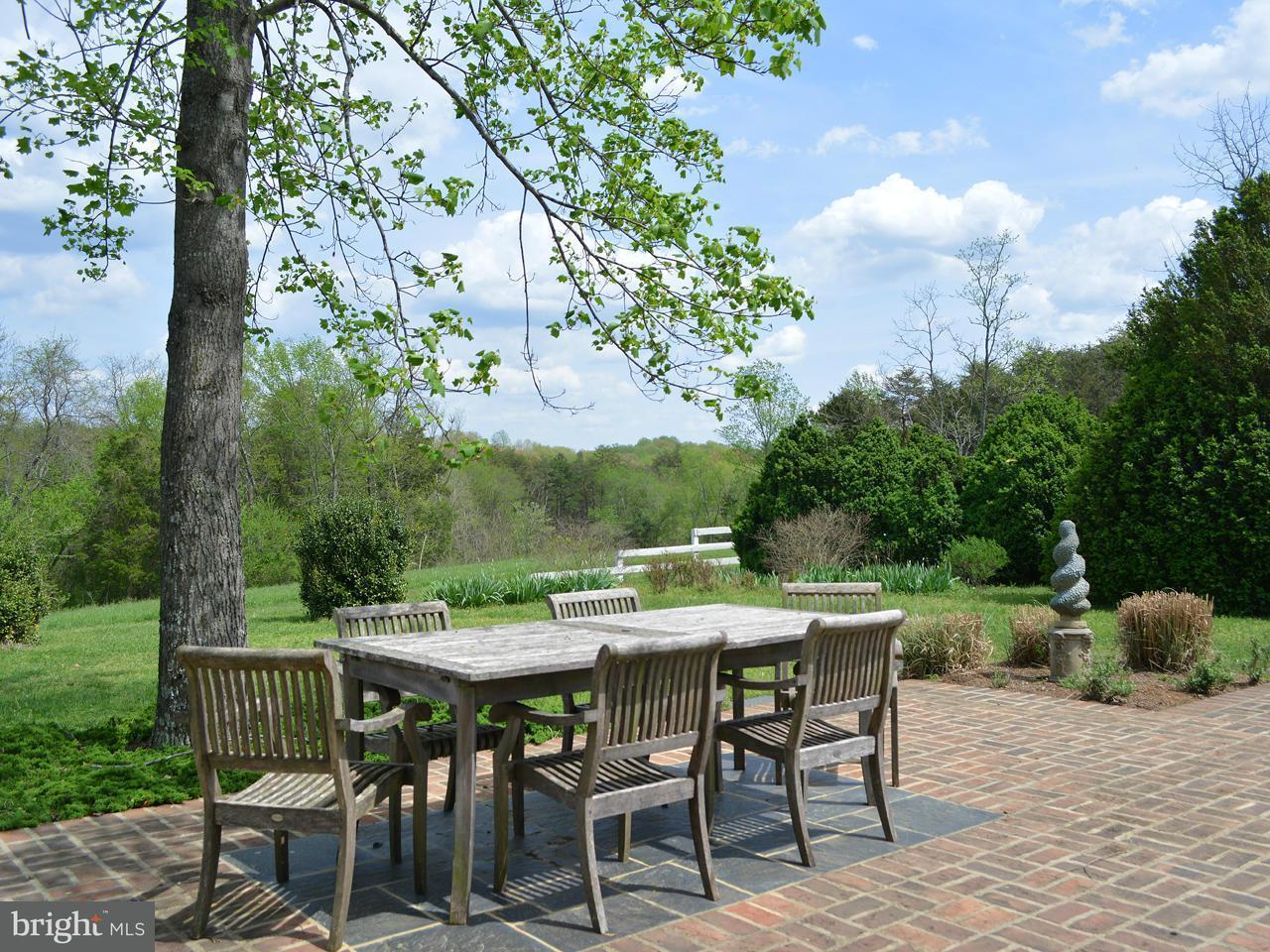 Additional photo for property listing at 1034 Red Bank Lane 1034 Red Bank Lane Fork Union, Virginia 23055 Estados Unidos