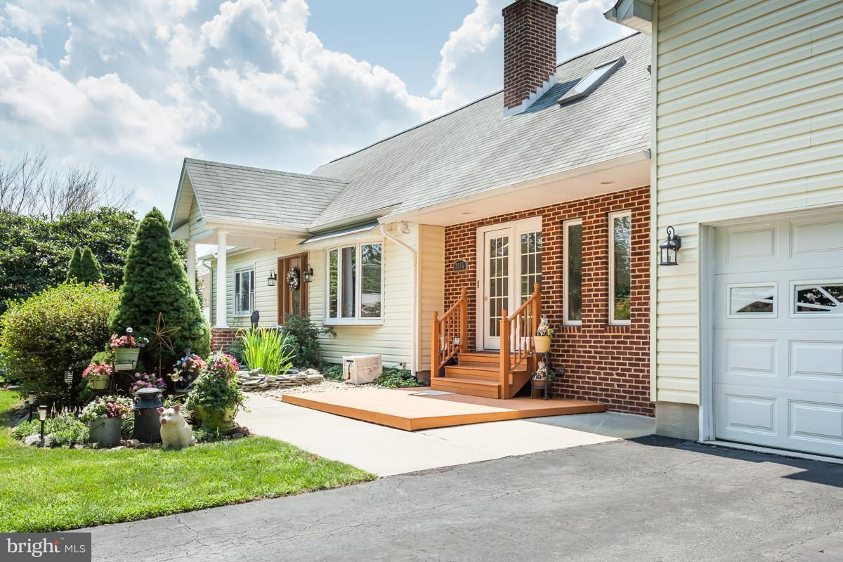 Maison unifamiliale pour l Vente à 2215 School Road 2215 School Road Darlington, Maryland 21034 États-Unis