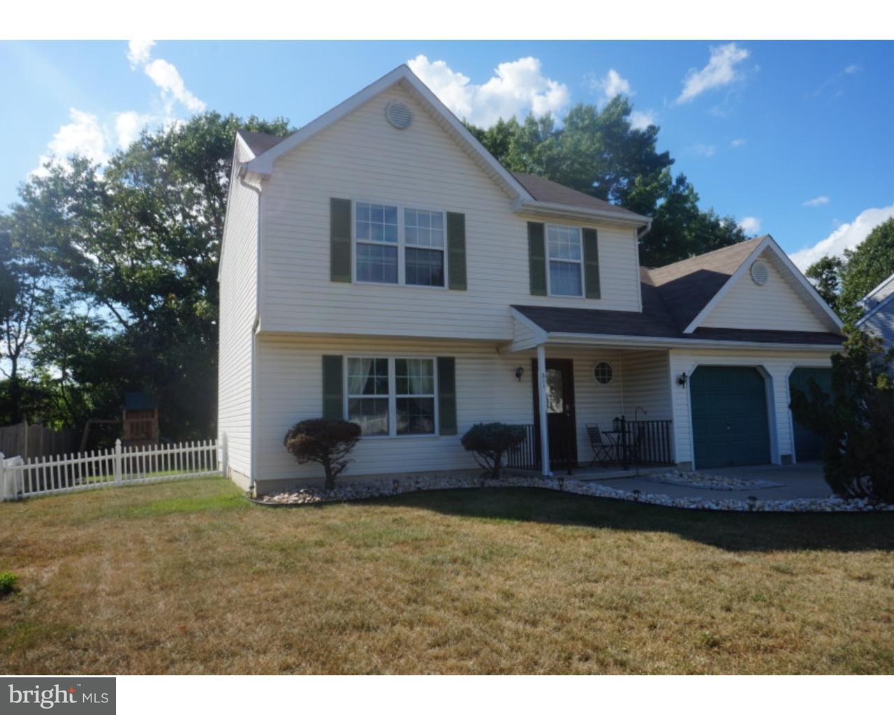 独户住宅 为 销售 在 311 BRYN MAWR Drive Williamstown, 新泽西州 08094 美国在/周边: Monroe Township