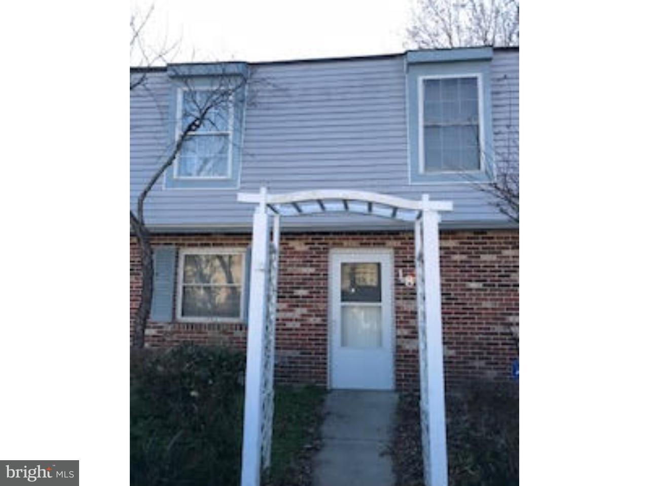 Maison accolée pour l Vente à 18 PRESIDENTIAL Drive Sicklerville, New Jersey 08081 États-Unis