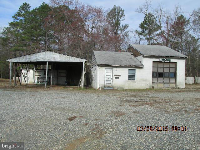 Commercial for Sale at 18520 Passing Rd Milford, Virginia 22514 United States
