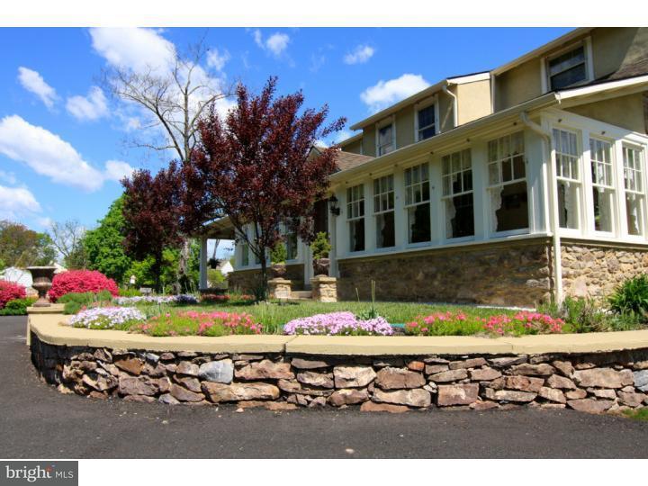Maison unifamiliale pour l Vente à 2731 AUDUBON Road Audubon, Pennsylvanie 19403 États-Unis