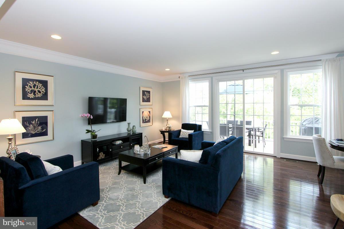 獨棟家庭住宅 為 出售 在 20227 Center Brook Sq 20227 Center Brook Sq Potomac Falls, 弗吉尼亞州 20165 美國