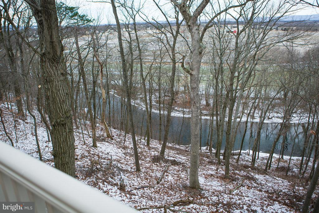 Additional photo for property listing at 2504 Castlegreen Dr  Greencastle, Pennsylvania 17225 United States