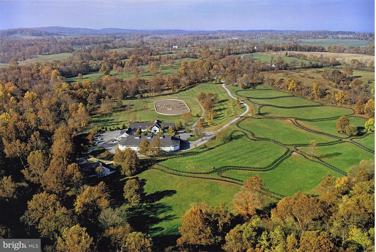 Single Family for Sale at 5447 Rallywood Farm Ln The Plains, Virginia 20198 United States