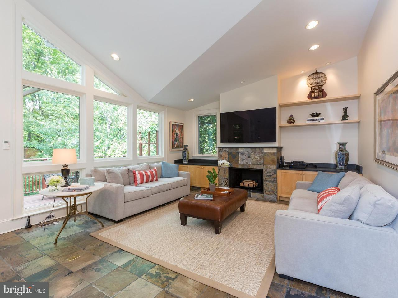 Additional photo for property listing at 3309 Macomb St NW  Washington, District Of Columbia 20008 United States