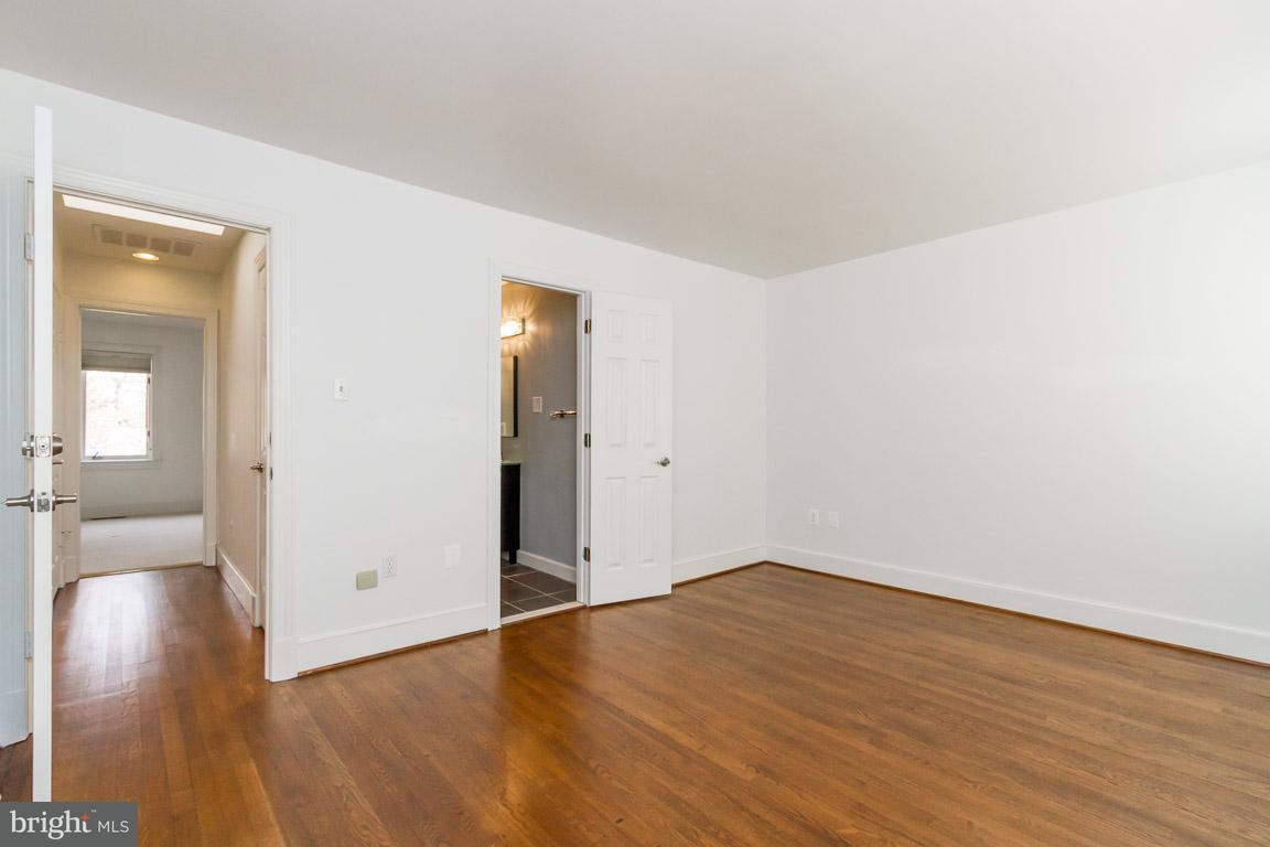 Additional photo for property listing at 3966 Georgetown Ct Nw 3966 Georgetown Ct Nw Washington, Distrito De Columbia 20007 Estados Unidos