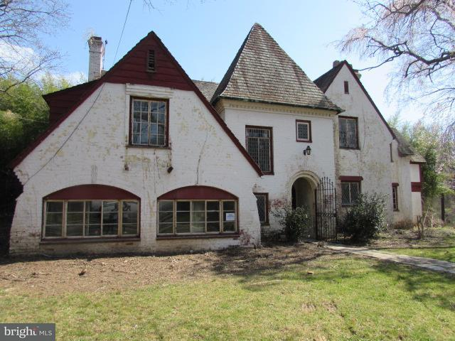 Single Family for Sale at 1860 Redwood Ter NW Washington, District Of Columbia 20012 United States