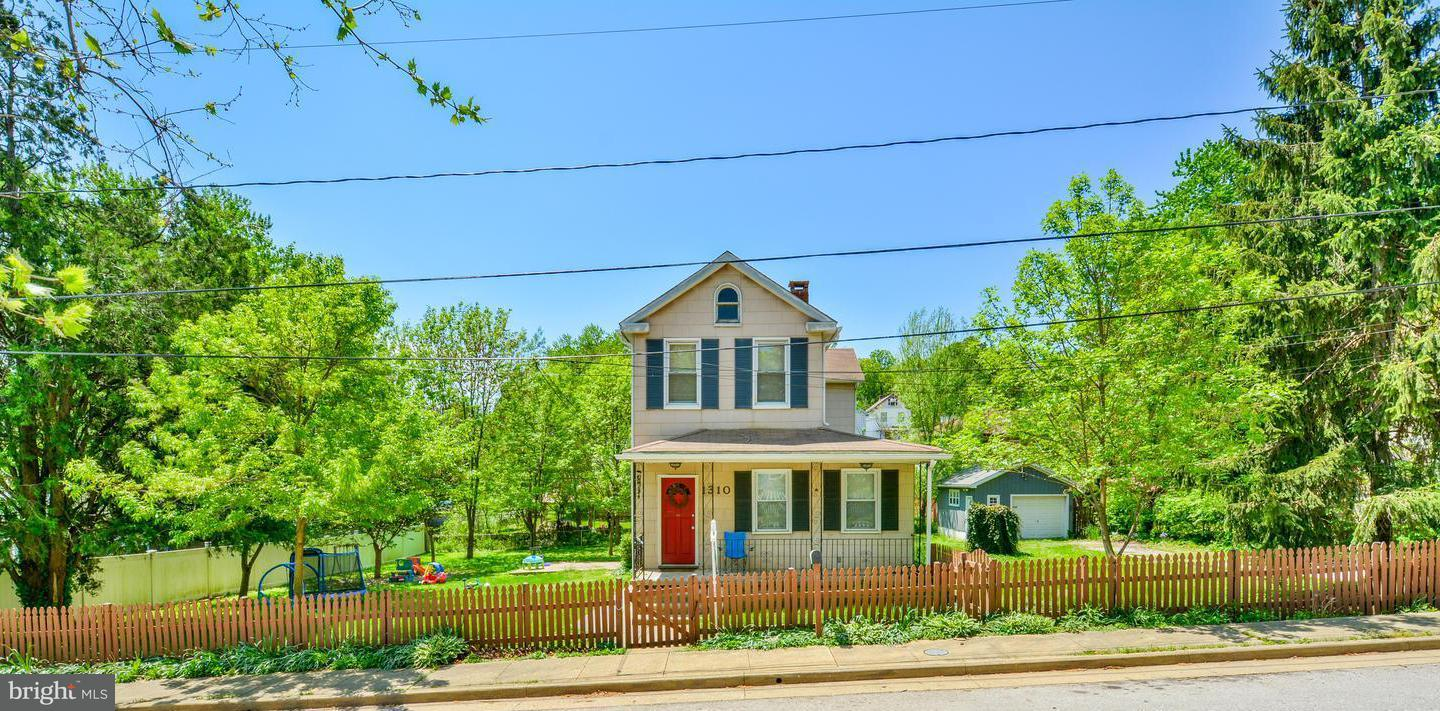 Single Family for Sale at 1310 Forest Hill Ave Baltimore, Maryland 21230 United States