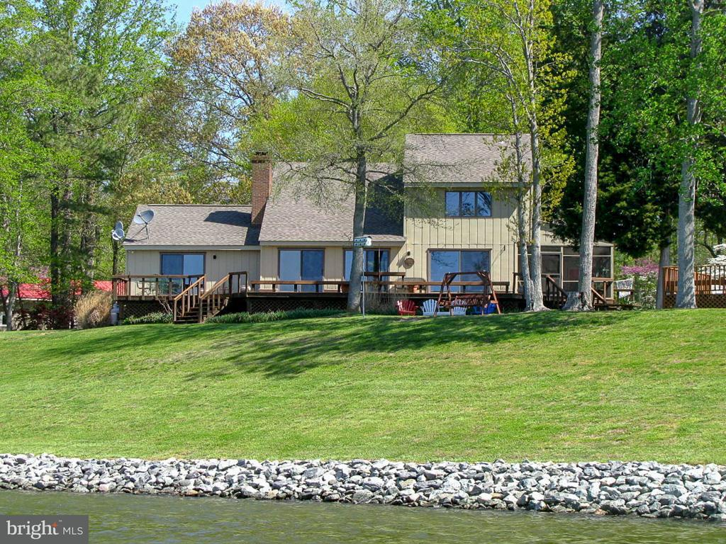 Single Family for Sale at 212 Ferry Point Rd Burgess, Virginia 22432 United States