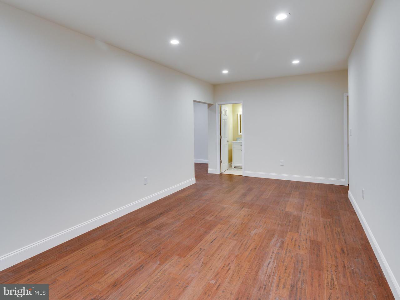 Additional photo for property listing at 10083 Main Street 10083 Main Street Fairfax, バージニア 22031 アメリカ合衆国