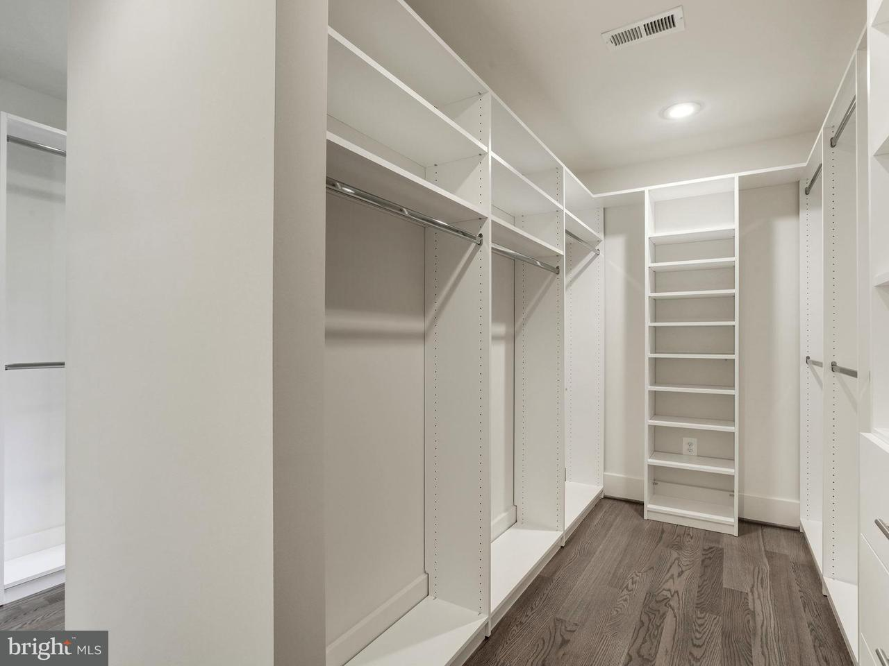 Additional photo for property listing at 816 Park Avenue 816 Park Avenue 弗尔斯切赫, 弗吉尼亚州 22046 美国