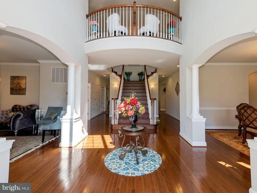 Property for sale at 103 Lamplighter Ct, Hamilton,  VA 20158