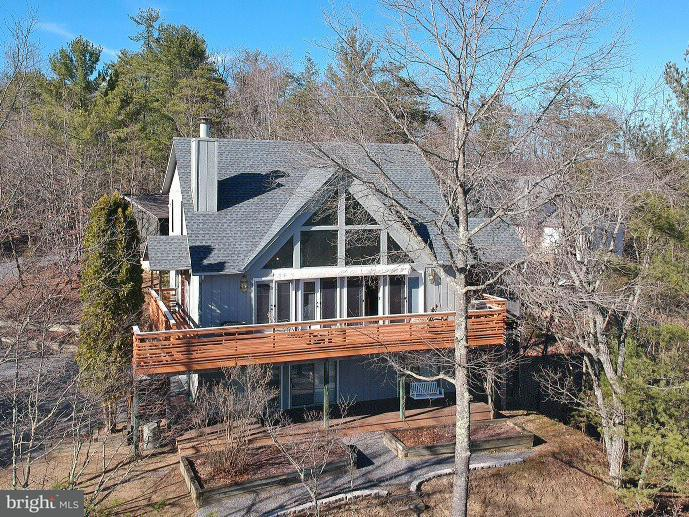 Single Family for Sale at 10 Pickett St Basye, Virginia 22810 United States
