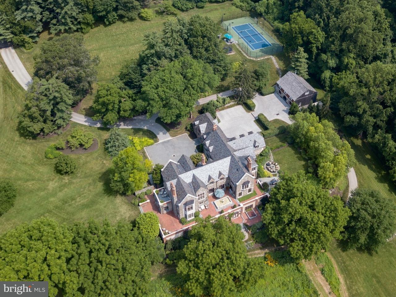 Maison unifamiliale pour l Vente à 100 MAPLE HILL Road Gladwyne, Pennsylvanie 19035 États-Unis