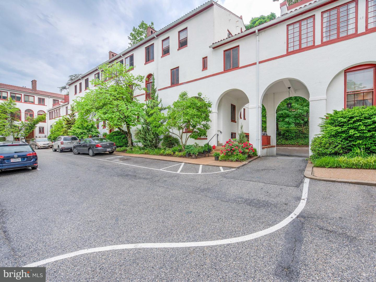 Single Family for Sale at 230 Stony Run Ln #1d Baltimore, Maryland 21210 United States