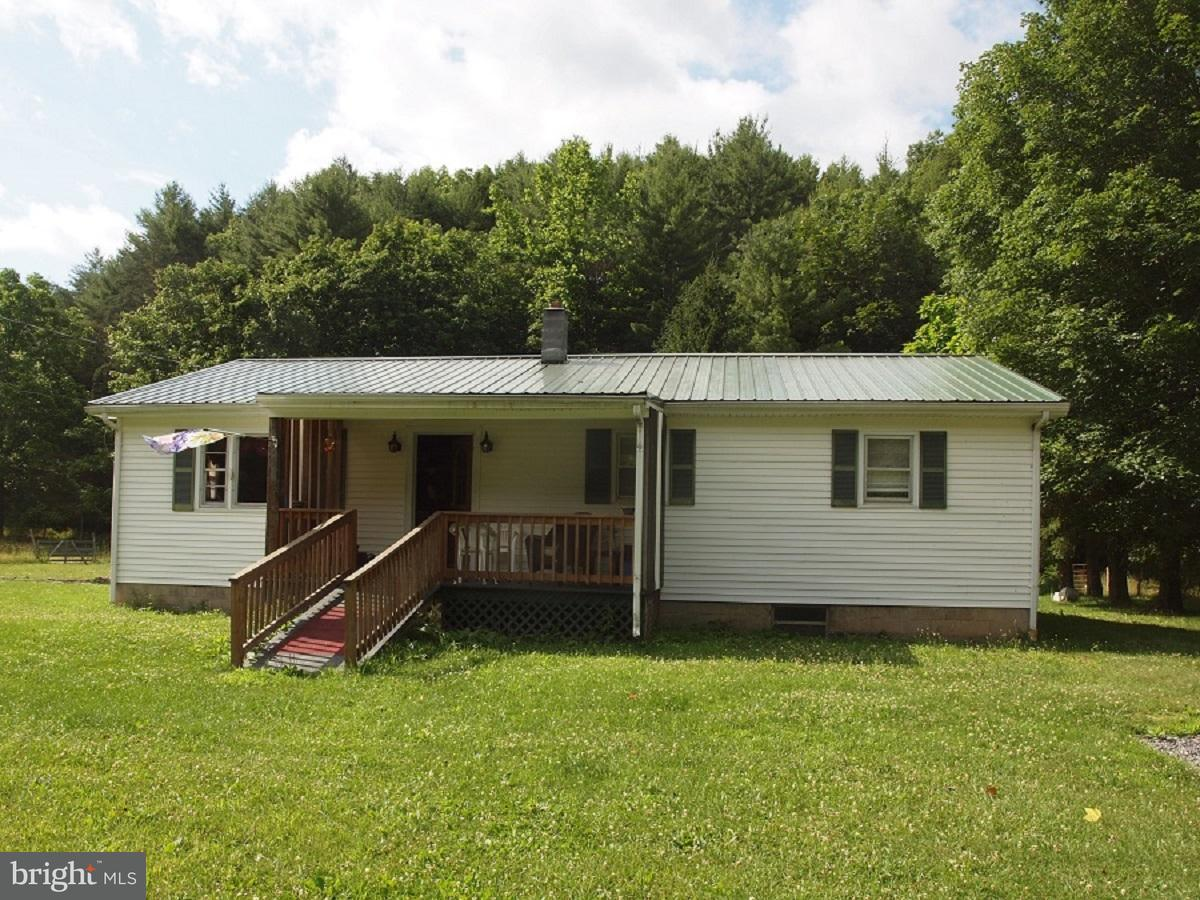 Single Family for Sale at 1076 Little Stony Road Sugar Grove, West Virginia 26815 United States