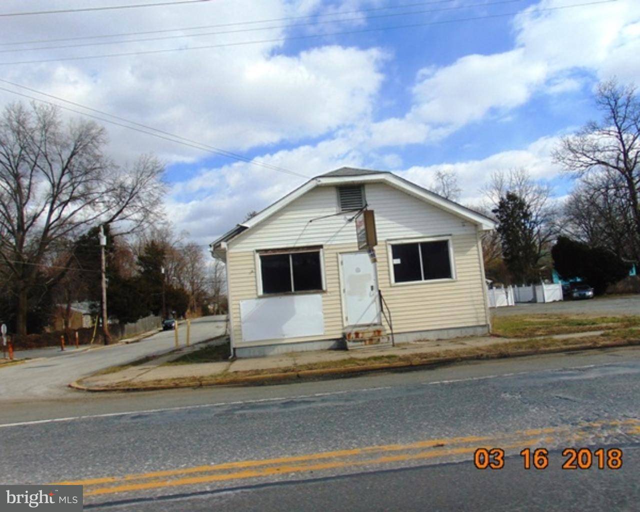 Частный односемейный дом для того Продажа на 578 N BROADWAY Deepwater, Нью-Джерси 08023 Соединенные Штаты