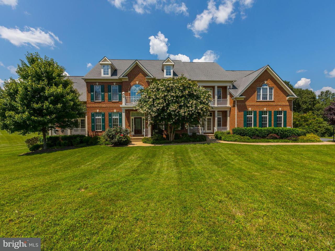 独户住宅 为 销售 在 24006 Burnt Hill Road 24006 Burnt Hill Road Clarksburg, 马里兰州 20871 美国