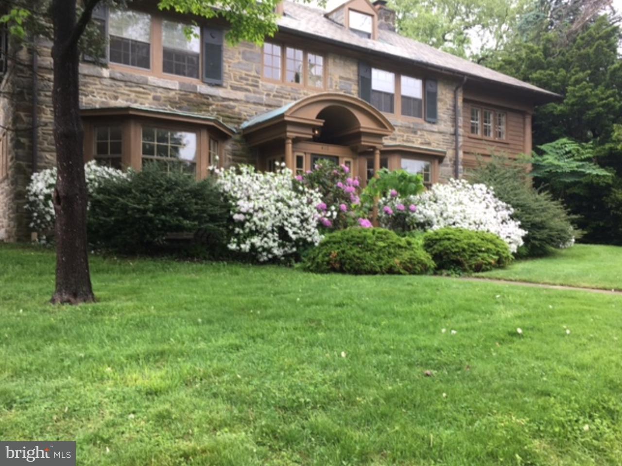 Частный односемейный дом для того Продажа на 410 CHAPEL Road Elkins Park, Пенсильвания 19027 Соединенные Штаты