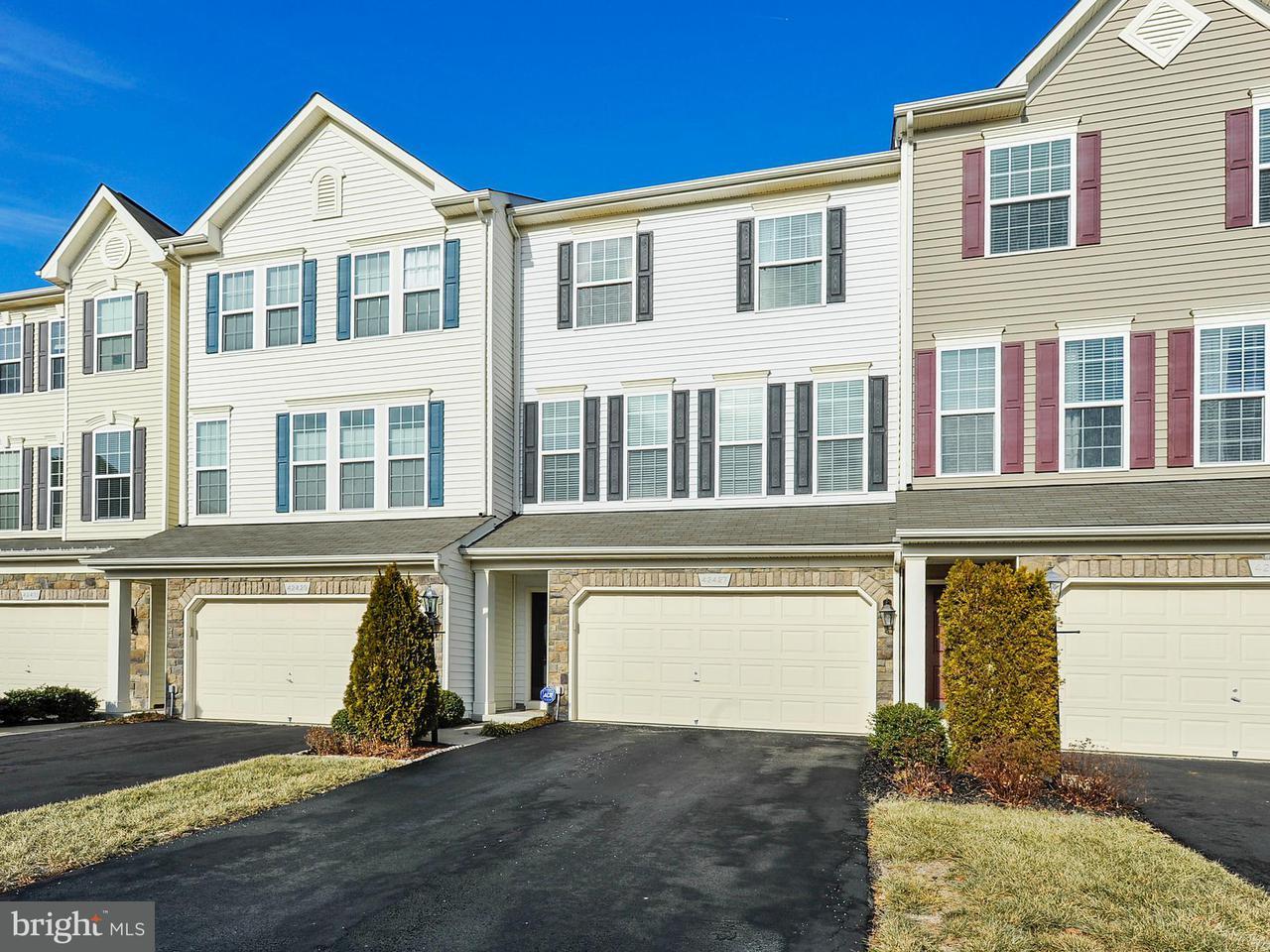 Townhouse for Sale at 42427 Angela Faye Sq 42427 Angela Faye Sq Ashburn, Virginia 20148 United States