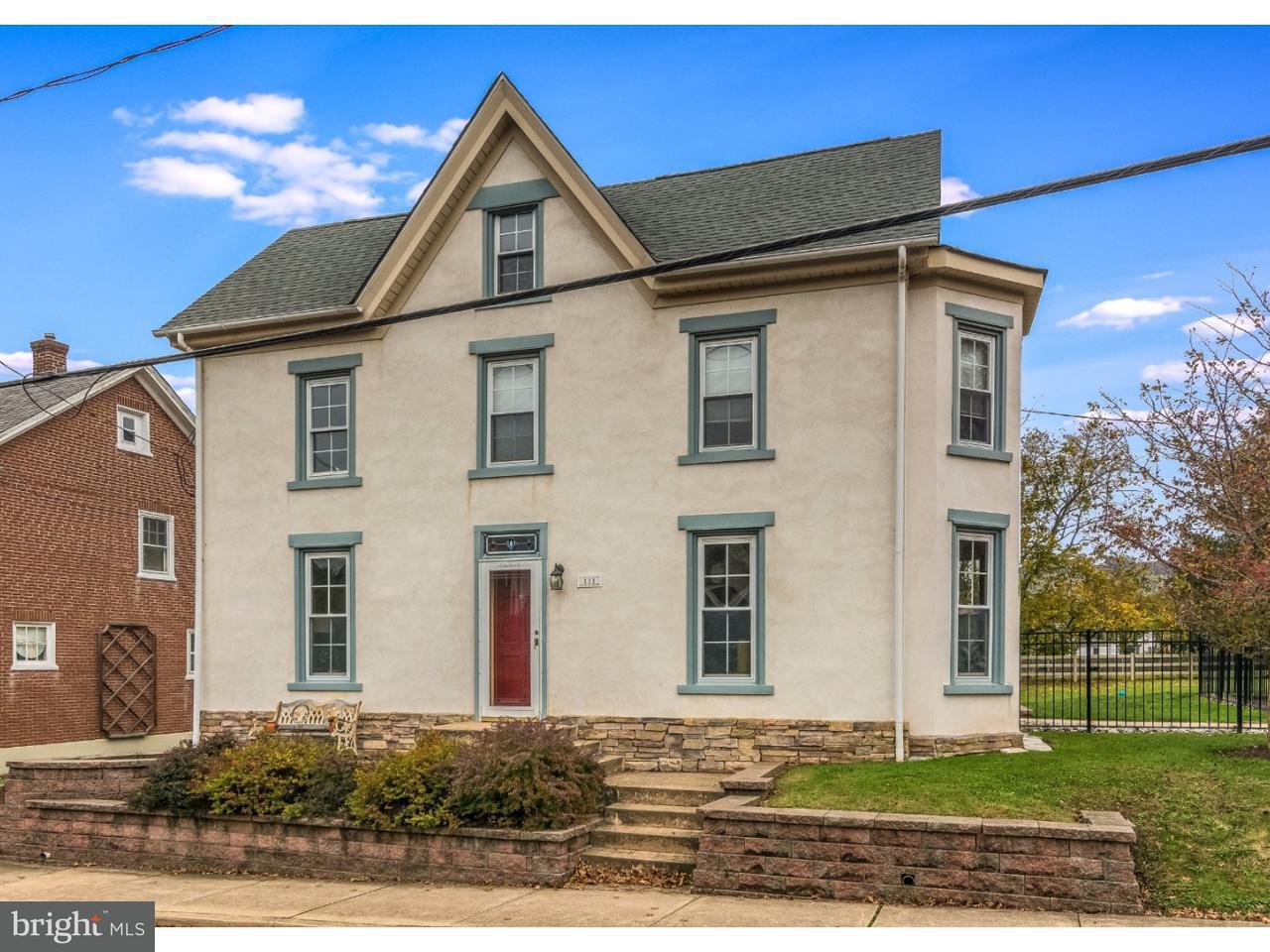 Casa Unifamiliar por un Venta en 111 GREEN Street Silverdale, Pennsylvania 18962 Estados Unidos