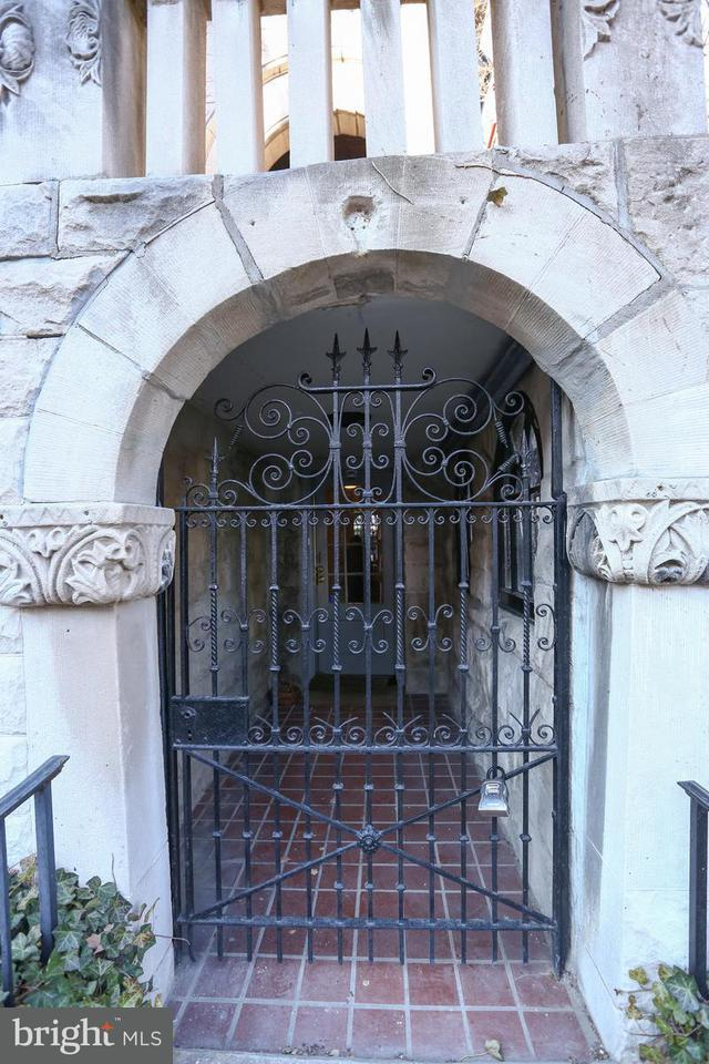 Other Residential for Rent at 2111 Bancroft Pl NW #first Floor Entrance Washington, District Of Columbia 20008 United States