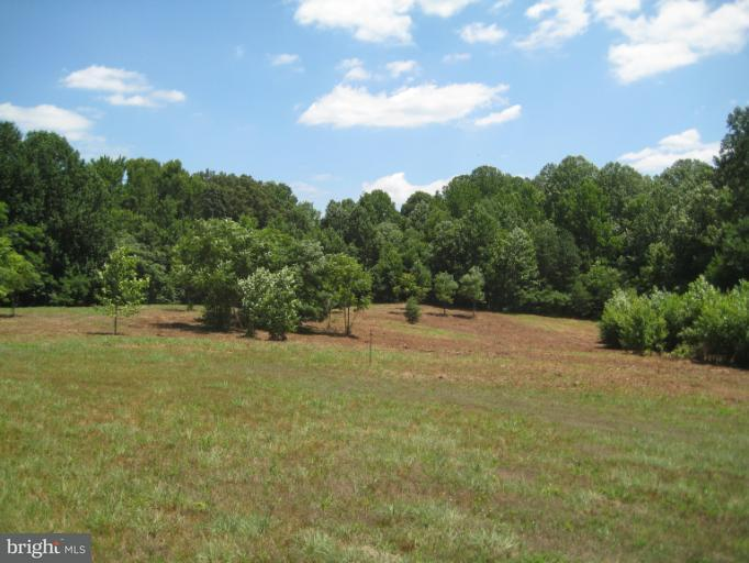 Additional photo for property listing at 6960 Lost River Pl  Hughesville, Maryland 20637 United States