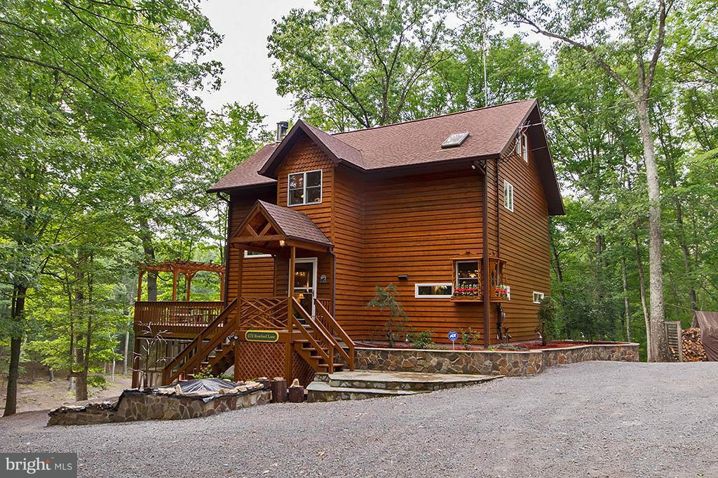 Single Family for Sale at 272 Rose Bud Lane Great Cacapon, West Virginia 25422 United States