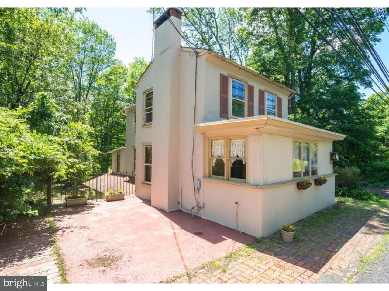 独户住宅 为 销售 在 3741 AQUETONG Road Carversville, 宾夕法尼亚州 18913 美国在/周边: Solebury Township