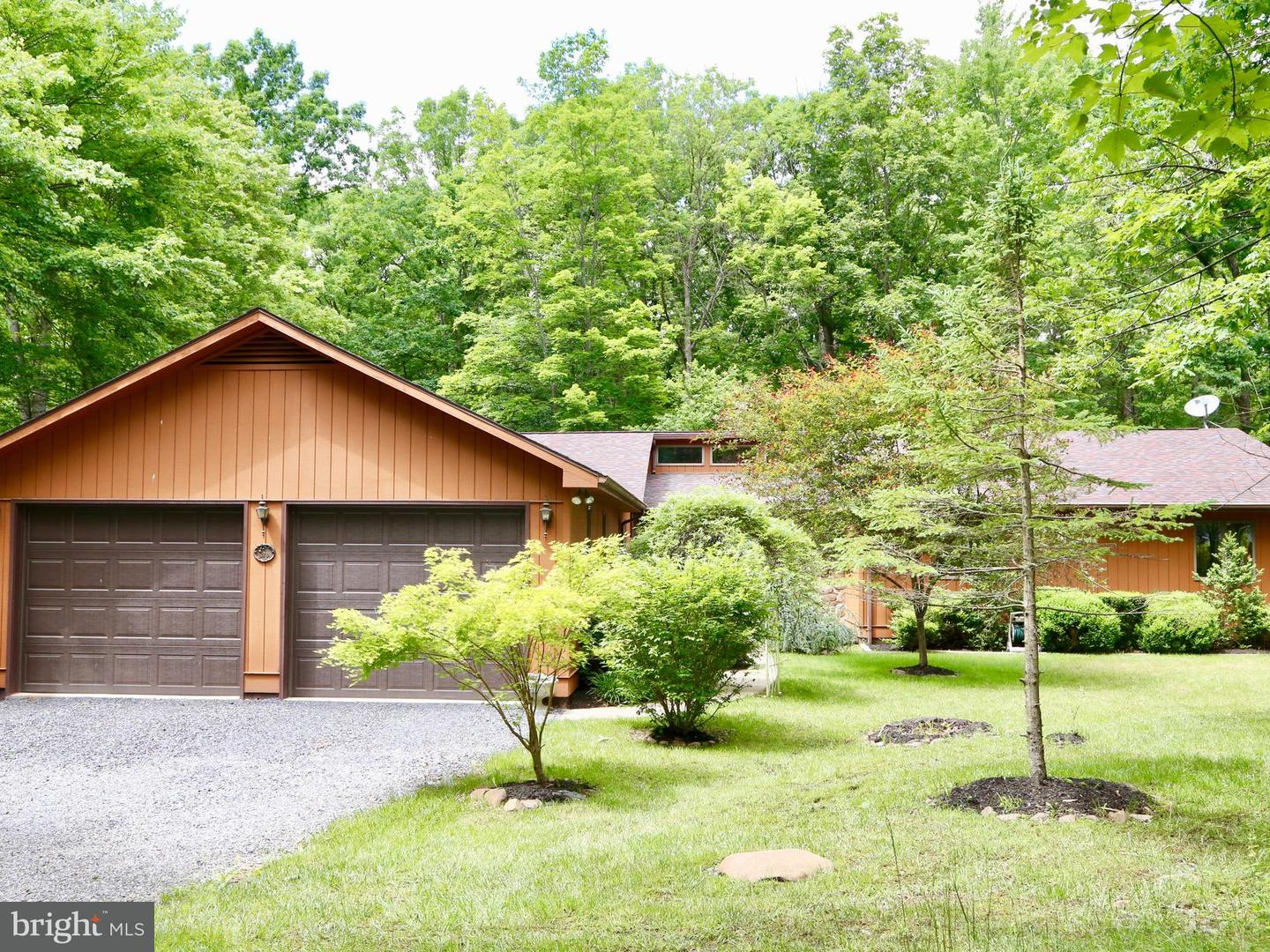 Single Family for Sale at 178 Hardy Dr Wardensville, West Virginia 26851 United States