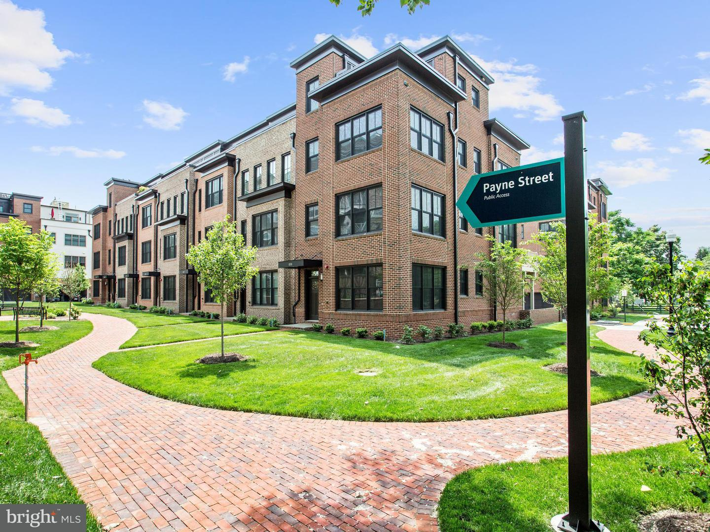 Single Family for Sale at 1331 Wilkes St Alexandria, Virginia 22314 United States