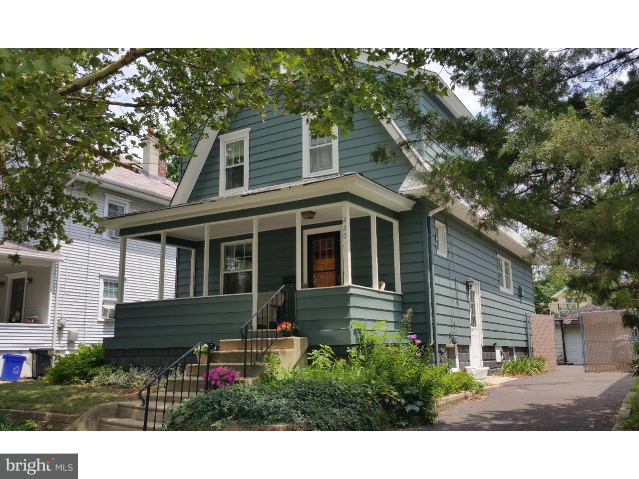 独户住宅 为 销售 在 220 S DAVIS Street Woodbury, 新泽西州 08096 美国