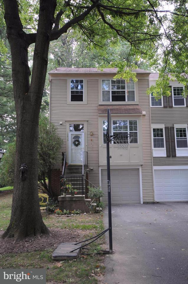 Other Residential for Rent at 13833 Grey Colt Dr North Potomac, Maryland 20878 United States