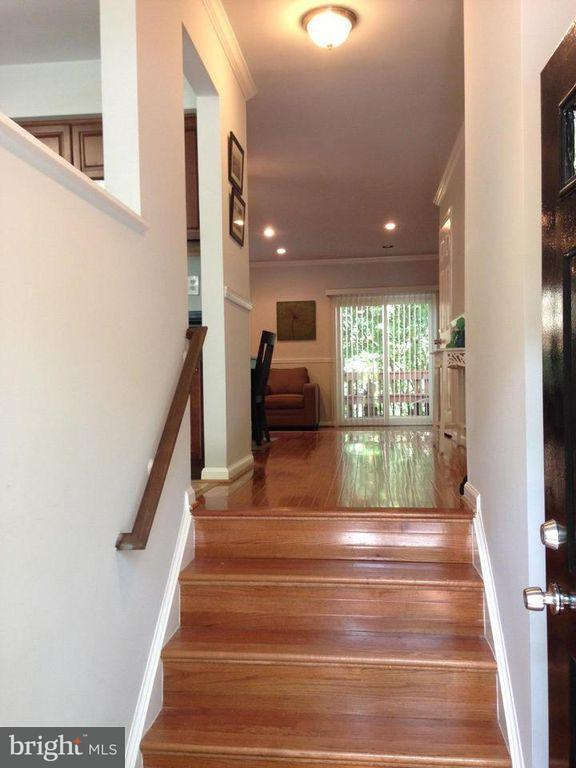 Additional photo for property listing at 6159 Forest Creek Lane 6159 Forest Creek Lane Springfield, 버지니아 22152 미국