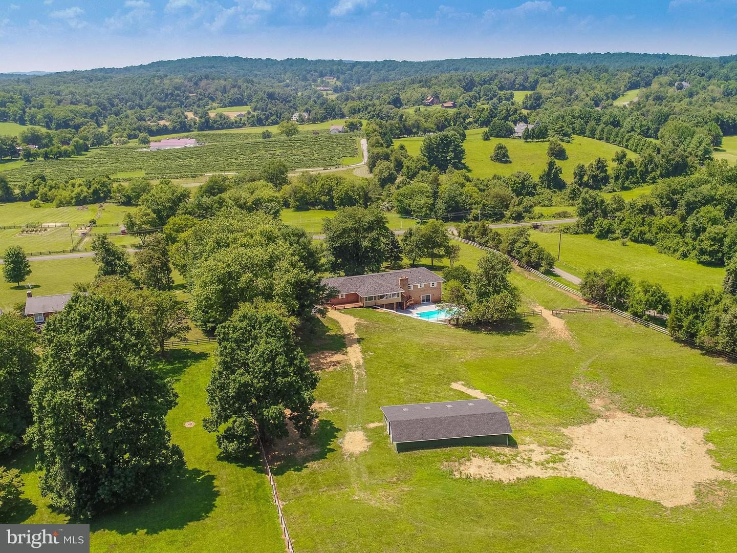 Farm for Sale at 6155 Georgetown Rd Broad Run, Virginia 20137 United States