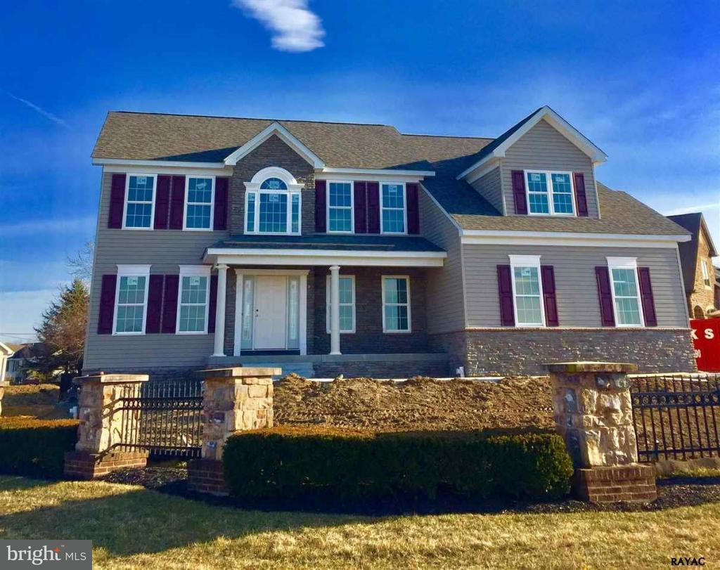 Single Family for Sale at 1014 Shannon Dr S Greencastle, Pennsylvania 17225 United States