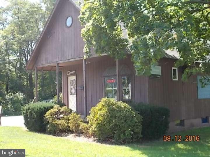 Enfamiljshus för Försäljning vid 275 WHITE HORSE PIKE Atco, New Jersey 08004 Usa